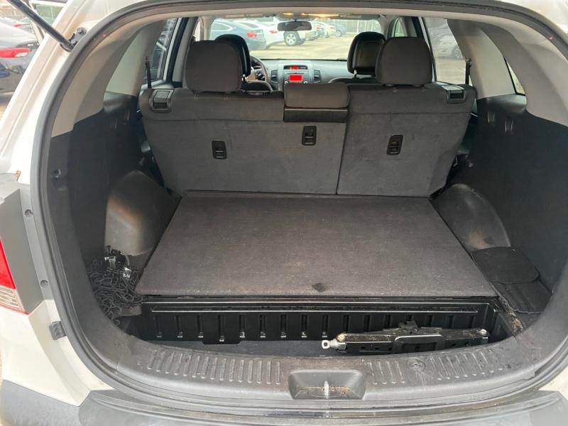 Kia Sorento 2011 price $6,400