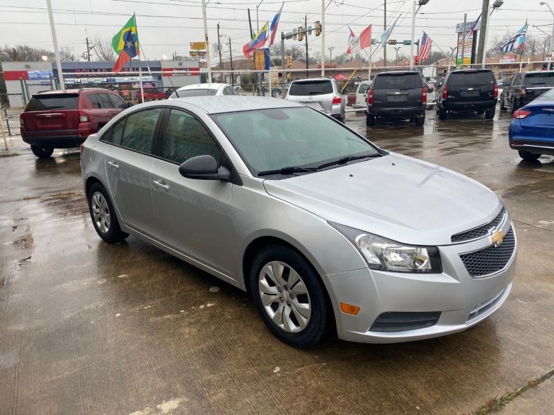 Chevrolet Cruze 2014 price $6,300