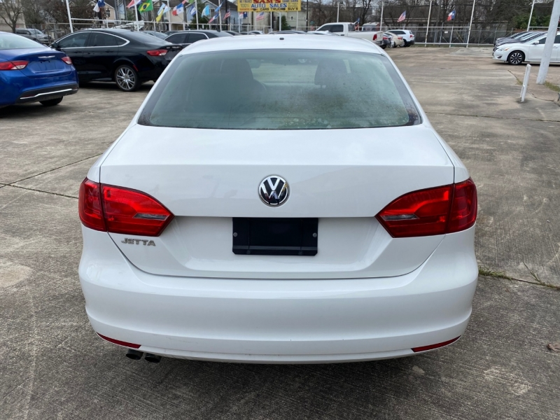 Volkswagen Jetta Sedan 2011 price $4,950
