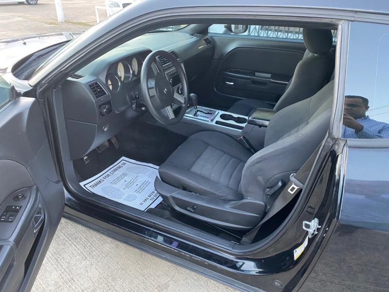 Dodge Challenger 2009 price $7,990