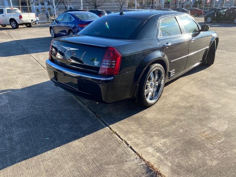 Chrysler 300 2006 price $5,999