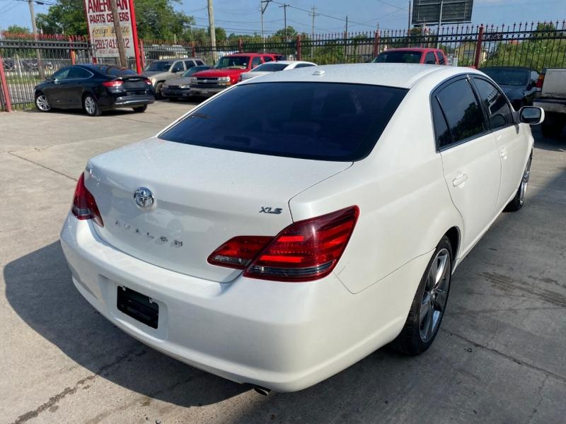Toyota Avalon 2009 price $5,500