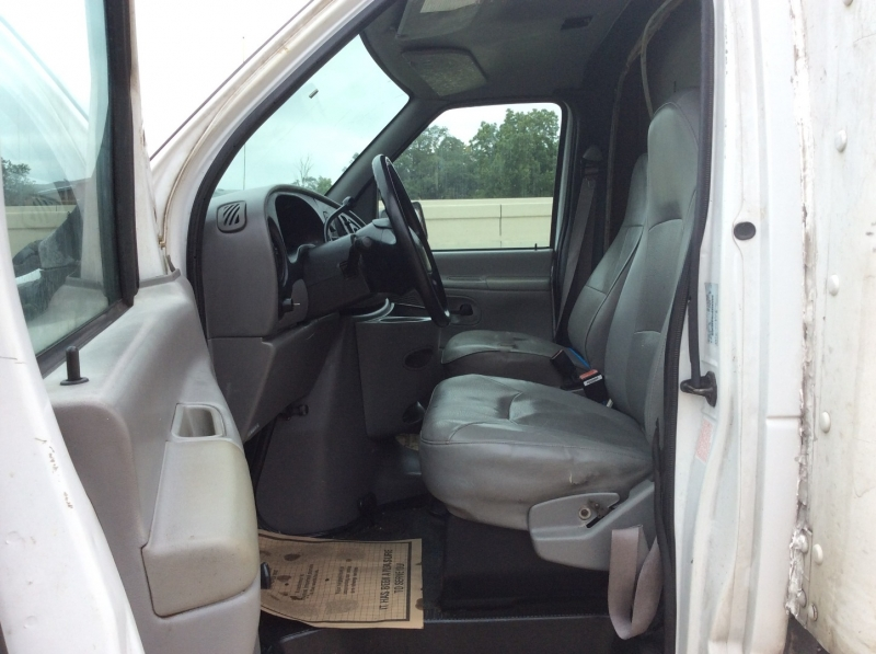 Ford Econoline Commercial Cutaway 1999 price $6,995