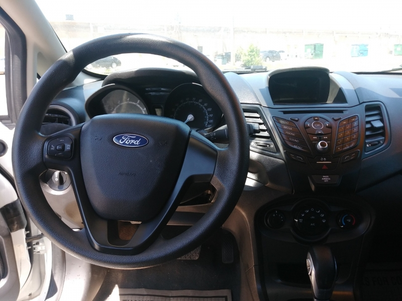Ford Fiesta 2016 price $5,995