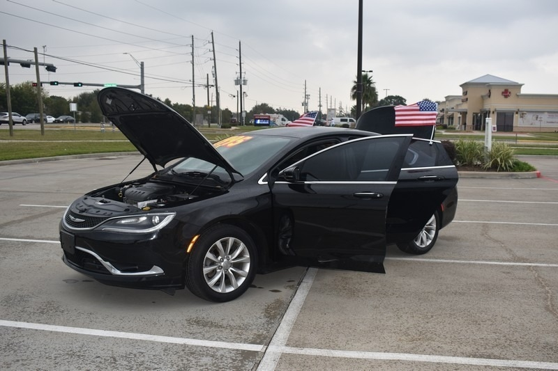 Chrysler 200 2015 price $6,995