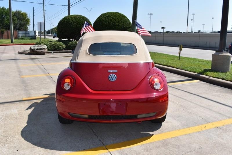 Volkswagen New Beetle Convertible 2006 price $4,995