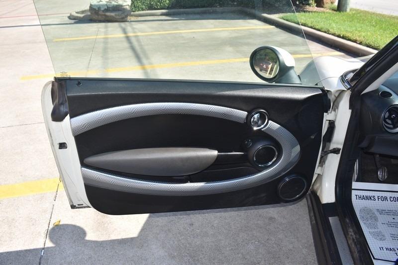 Mini Cooper Hardtop 2010 price $4,995
