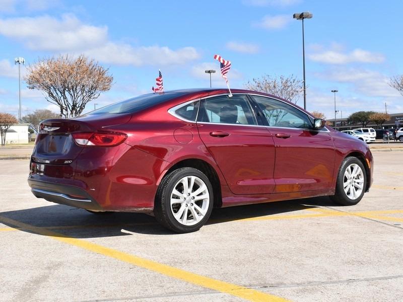 Chrysler 200 2015 price $7,495
