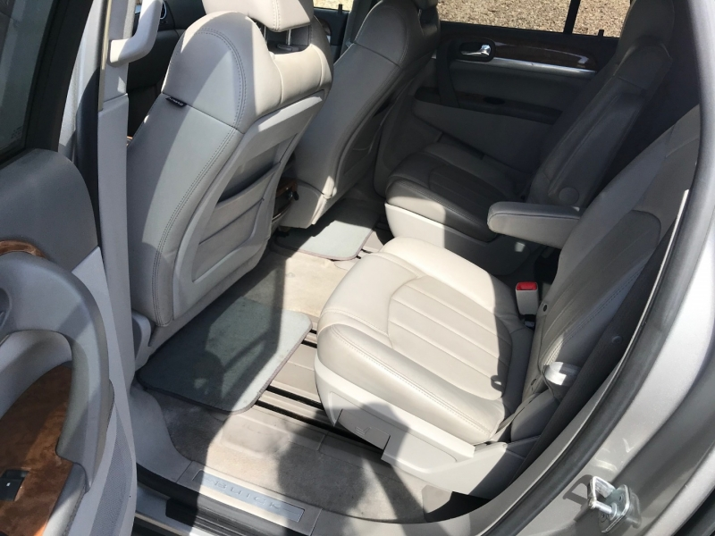 Buick Enclave 2008 price $7,000