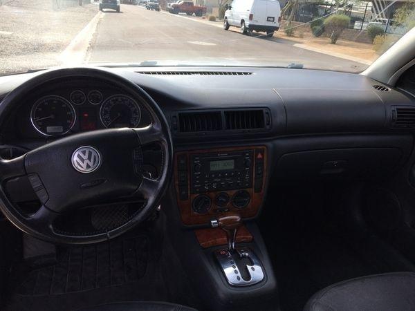 Volkswagen Passat Sedan 2005 price $2,500