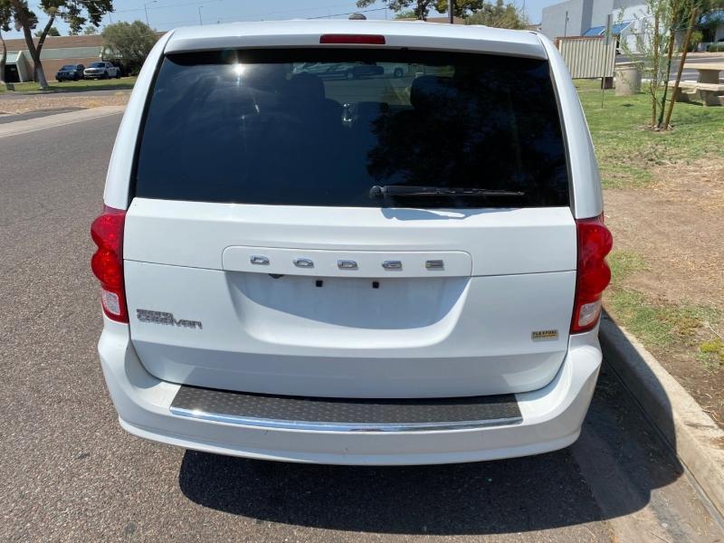 Dodge Grand Caravan 2017 price $11,000