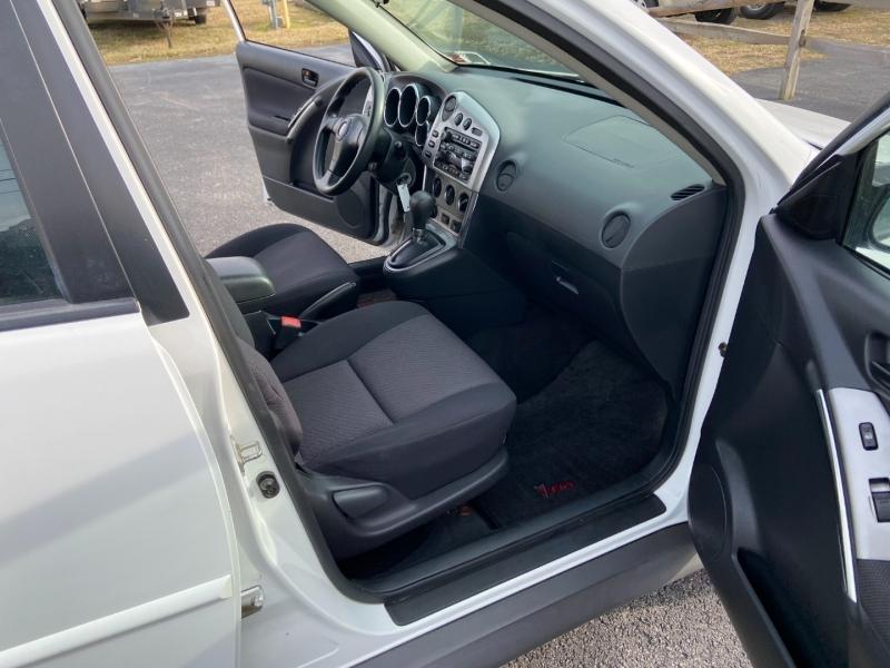 Pontiac Vibe 2004 price $5,799