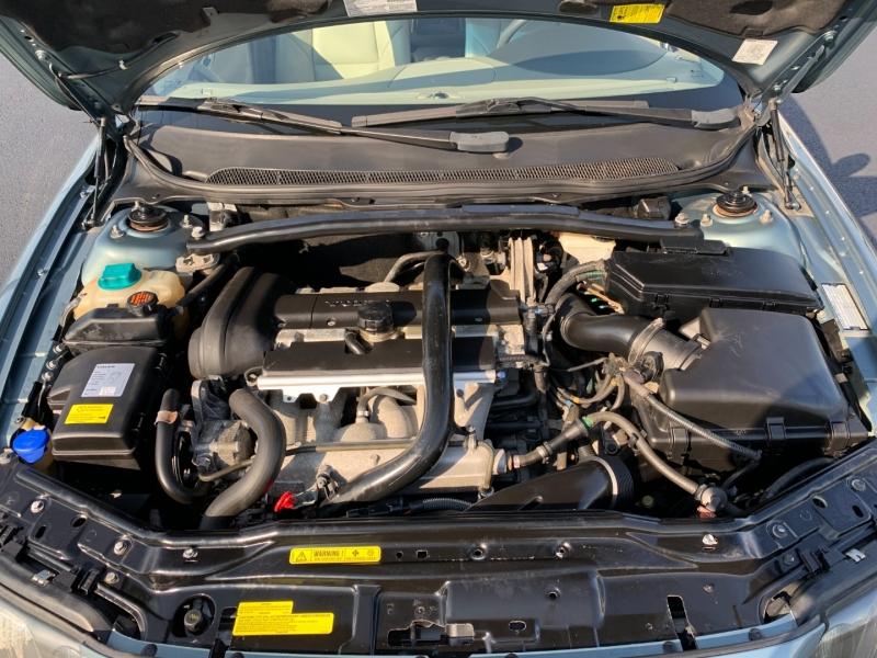 Volvo S60 2003 price $7,499