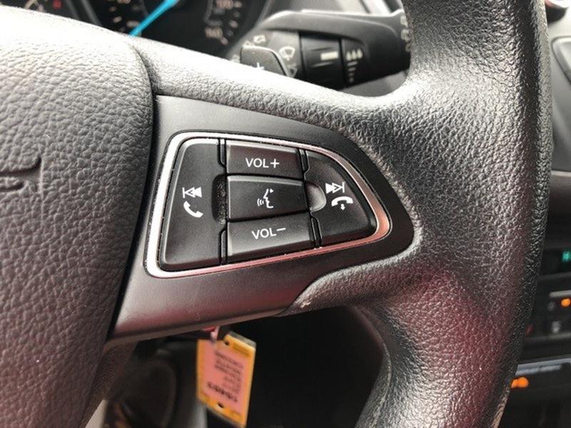 Ford Escape 2017 price $16,530