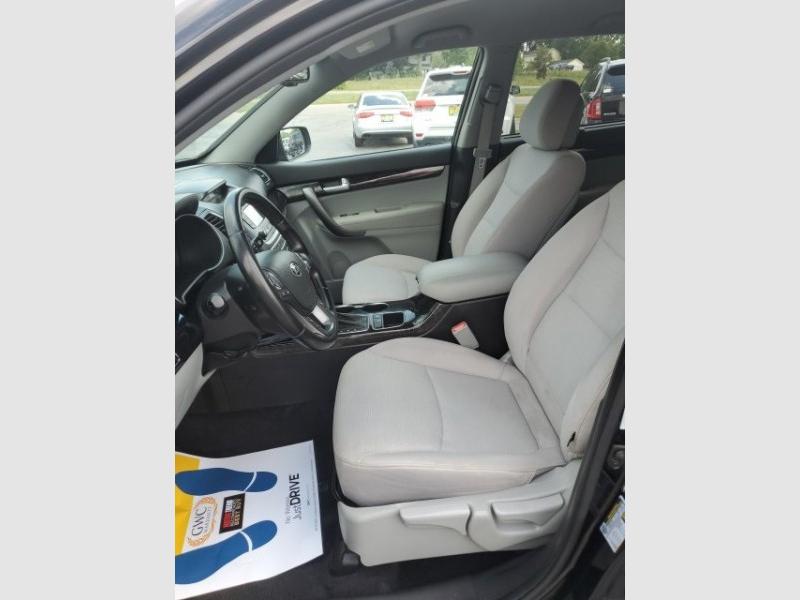 Kia Sorento 2014 price $11,988