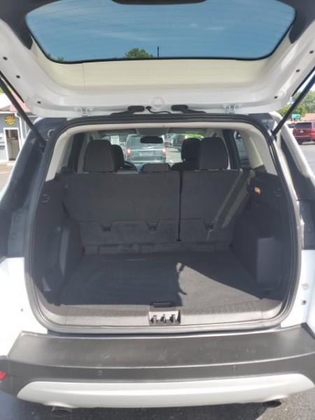 Ford Escape 2019 price $16,957