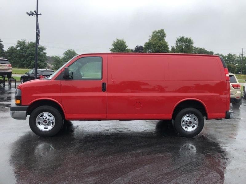 GMC Savana 3500 2011 price $12,997