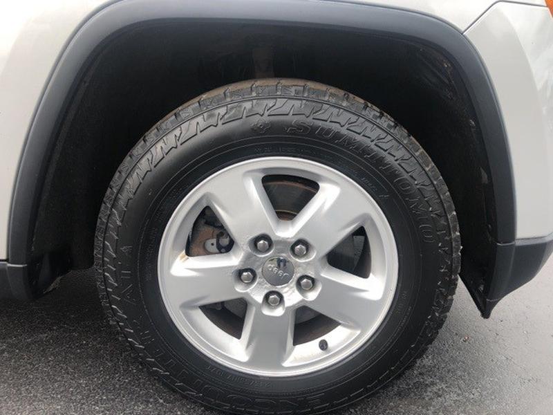 Jeep Grand Cherokee 2011 price $11,998