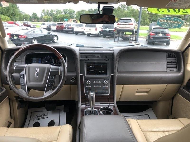 Lincoln Navigator 2015 price $27,988