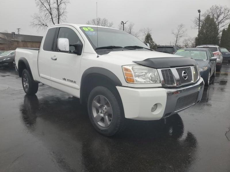 Nissan Titan 2005 price $8,995