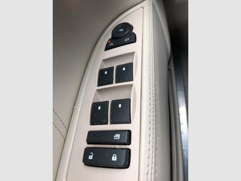 Buick Lucerne 2009 price $6,349
