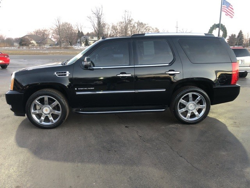 Cadillac Escalade 2009 price $12,994