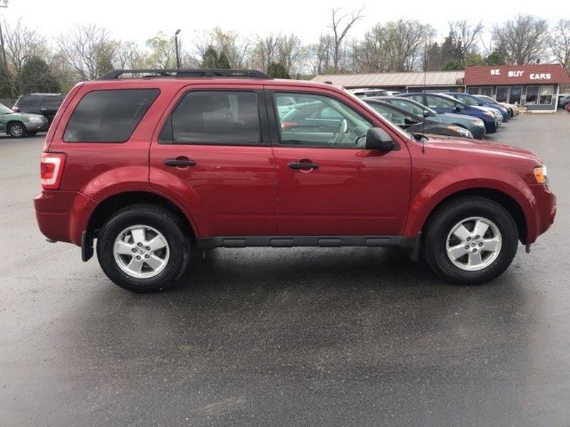 Ford Escape 2011 price $9,000