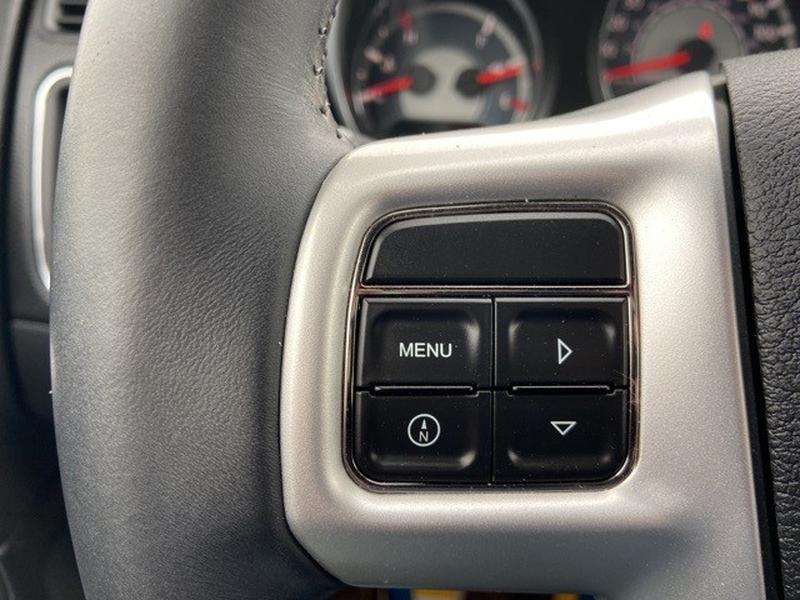Chrysler 200 2013 price $9,850