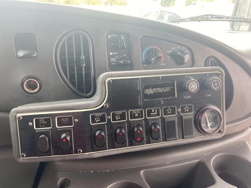 Ford E-450SD 2003 price $13,000