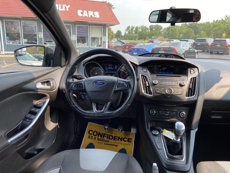 Ford Focus 2017 price $22,000