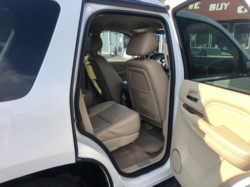 Cadillac Escalade 2011 price $18,300