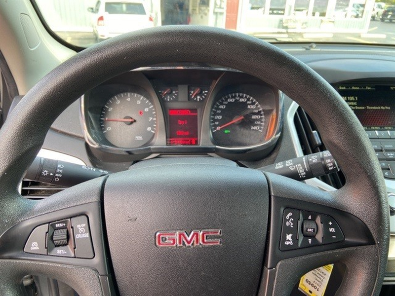 GMC Terrain 2017 price $19,995