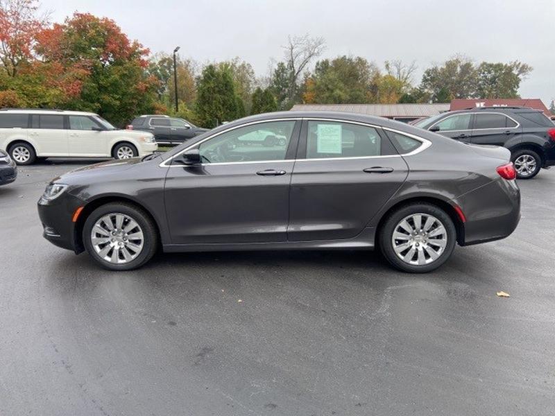 Chrysler 200 2016 price $19,600