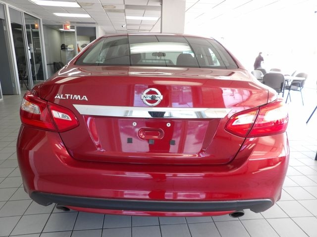 Nissan Altima 2016 price $9,499