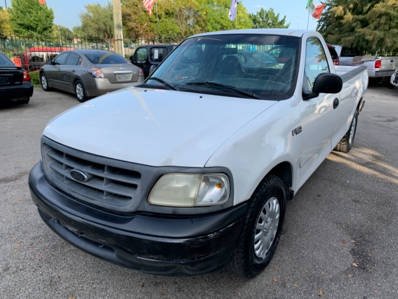 Ford F-150 2000 price $3,495