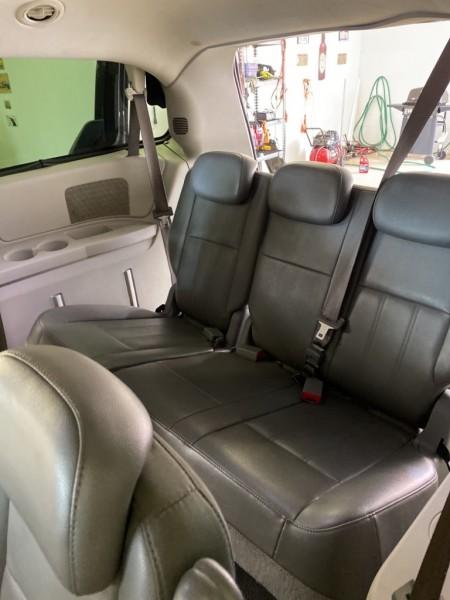 Dodge Grand Caravan 2010 price $7,995