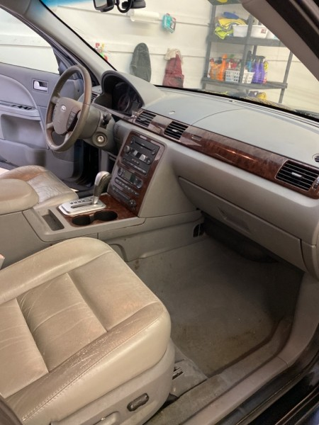 Ford Five Hundred 2006 price $2,990