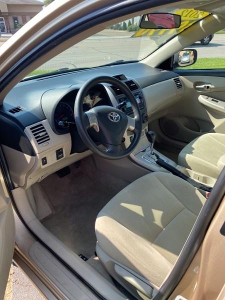 Toyota Corolla 2012 price $8,900