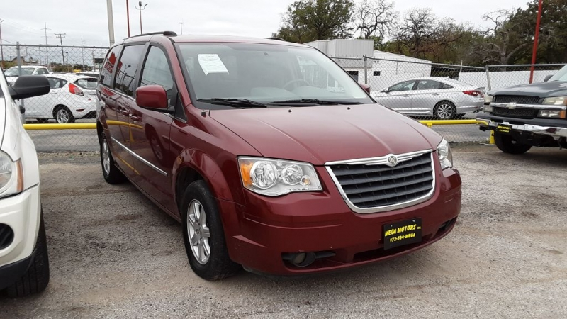 CHRYSLER TOWN & COUNTRY 2010 price $500 Down