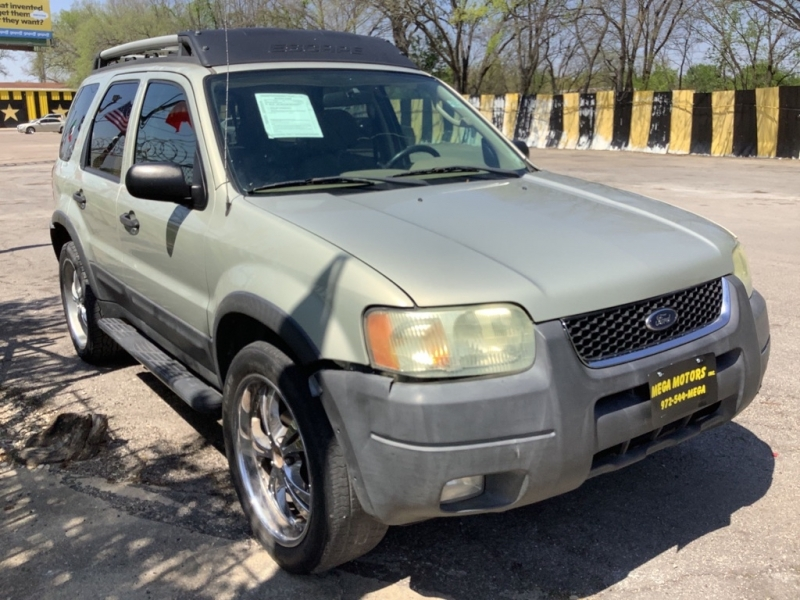 FORD ESCAPE 2004 price $1,000 Down