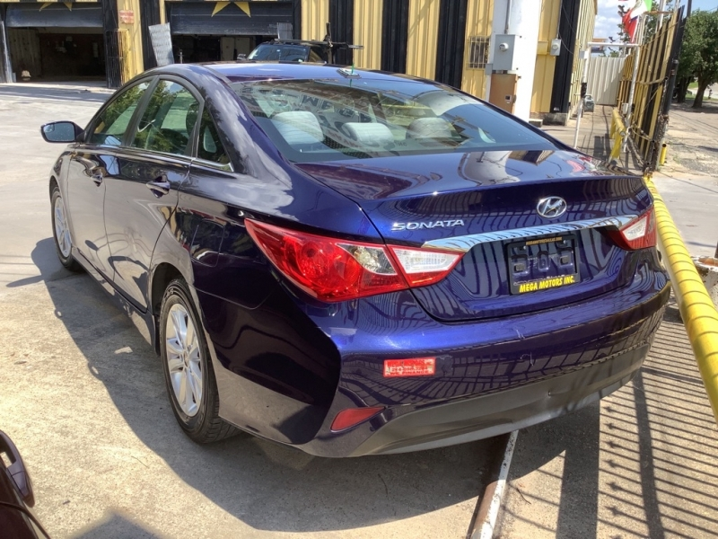 HYUNDAI SONATA 2014 price $2,000