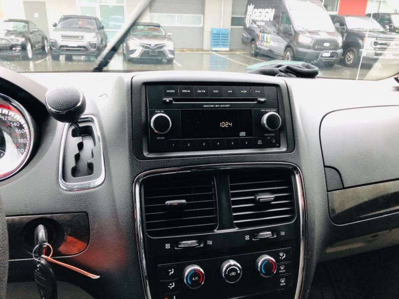 Dodge Grand Caravan 2015 price $11,800