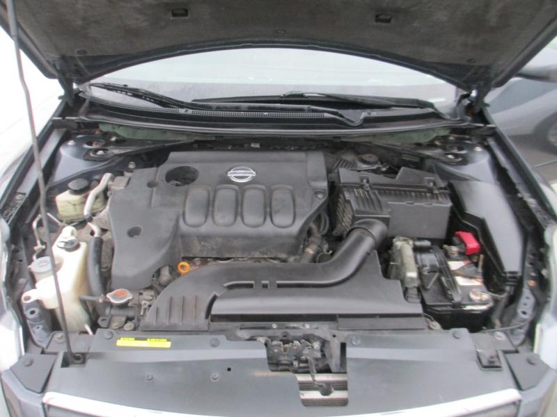 Nissan Altima 2008 price $3,800