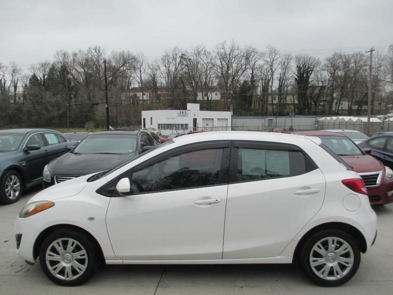 Mazda Mazda2 2012 price $3,700