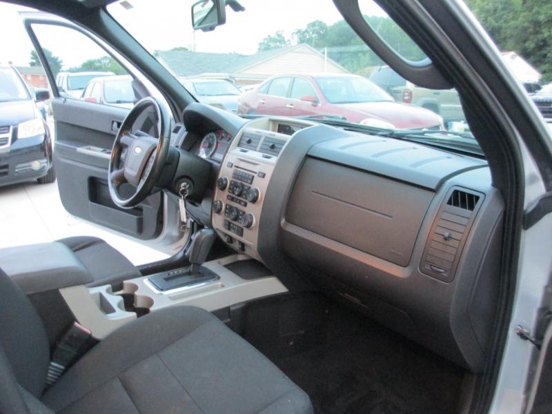 Ford Escape 2009 price $5,495