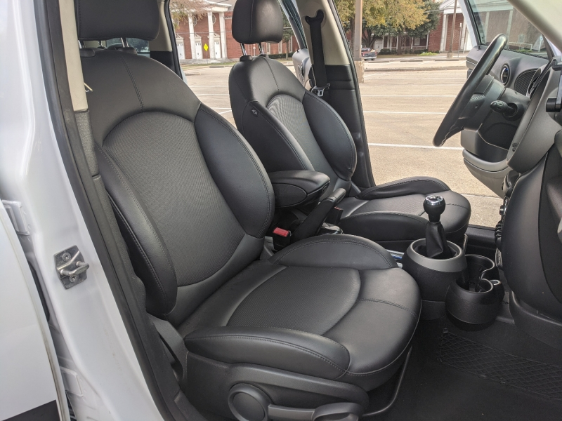 Mini Cooper Countryman 2011 price $9,900
