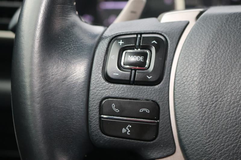 Lexus IS 200 2017 price $24,200