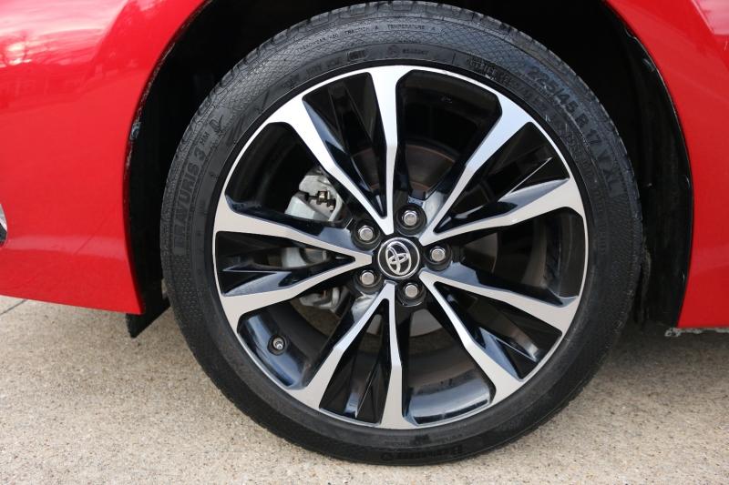 Toyota Corolla 2017 price $12,900