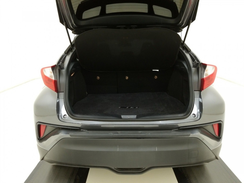 Toyota C-HR 2018 price $16,500
