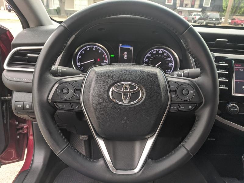 Toyota Camry 2018 price $19,400